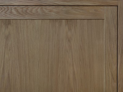 Nordic Forest Selection af eg med fylding af træ. | Nordic Forest Selection made from oak with panel made from wood.