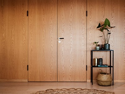 Double flush door made from oak.