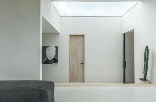 Dinesen Framed by Vahle